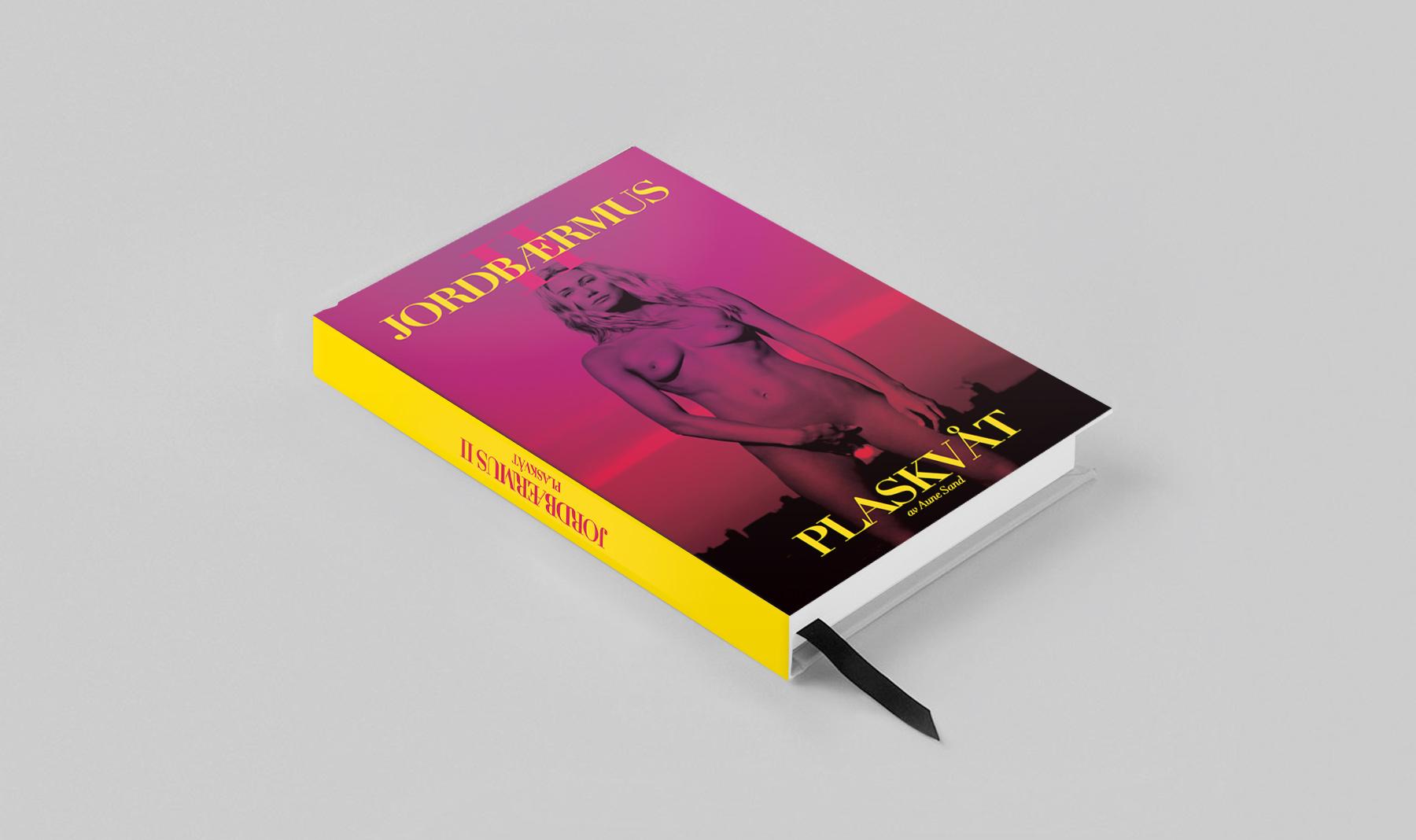 Jordbaermus II Aune Sand Book cover designed by 72dotsperinch